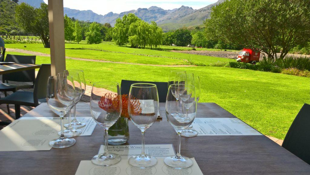 Weinprobe in den Weinbergen von Stellenbosch