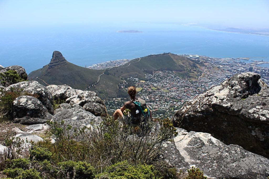 Kapstadt, Südafrika: Blick vom Tafelberg auf Robben Island