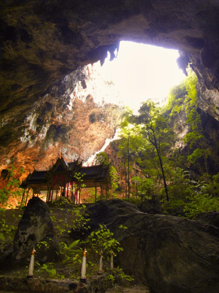 Pavilion in der Phraya-Nakhon Cave